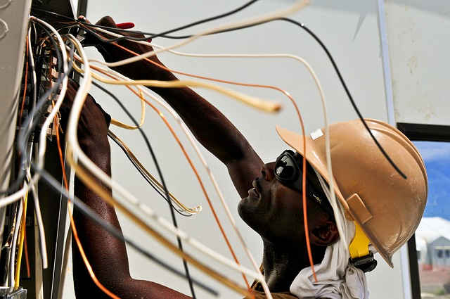 3 Reasons You Should Always Hire a Professional Electrician